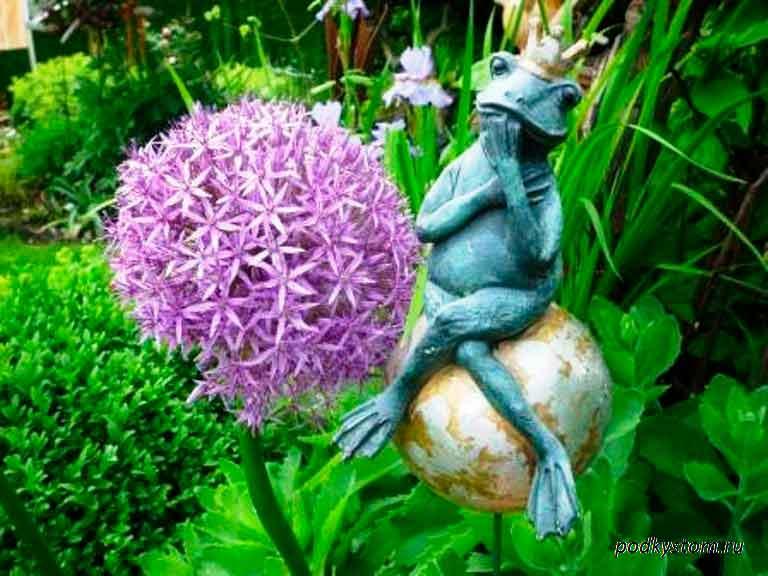 Фигурка-лягушка-царевна