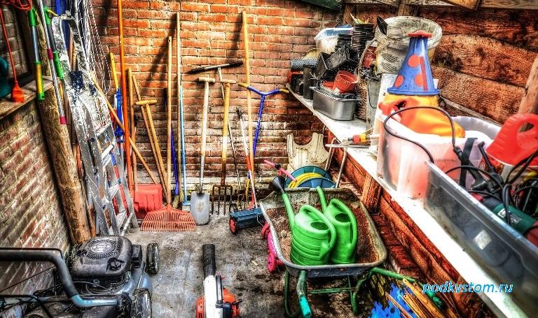 Инструменты необходимые садоводу и огороднику