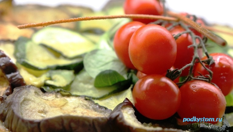 Баклажан с томатами